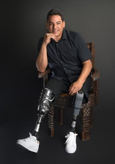Lou Figueroa - Inspirational Speaker
